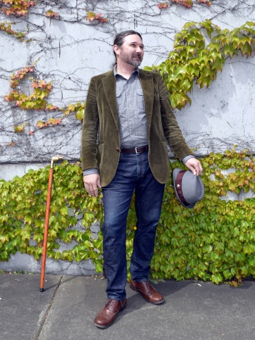 """Author, still not wearing hat, without walking stick but walking stick still pointlessly in the photo"""